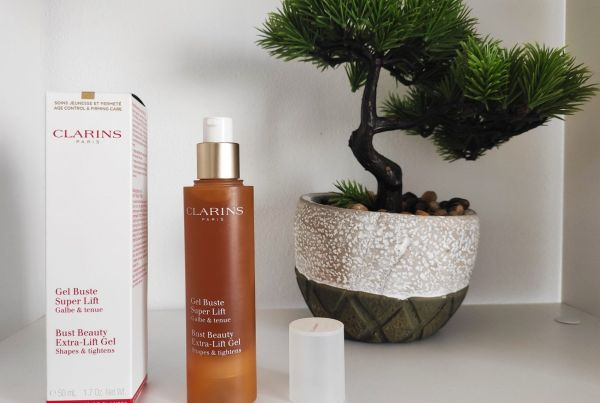Clarins-Bust-Beauty-Extra-Lift-Gel