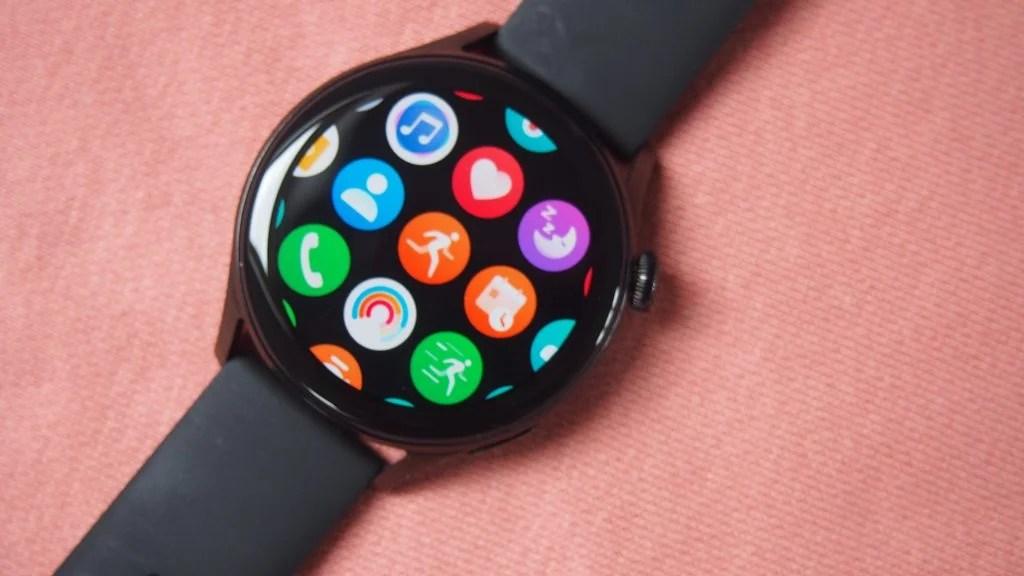 Huawei Watch 3 showing apps