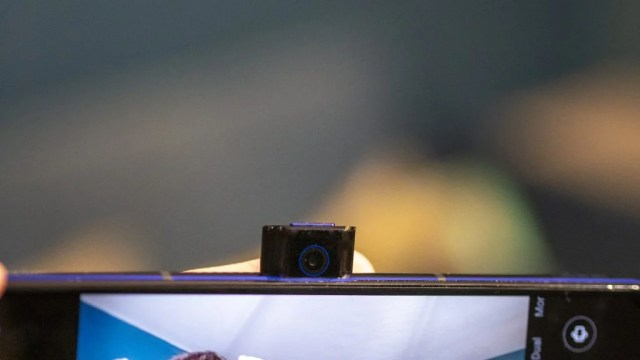 Lenovo Legion Phone Duel 2 pop up camera