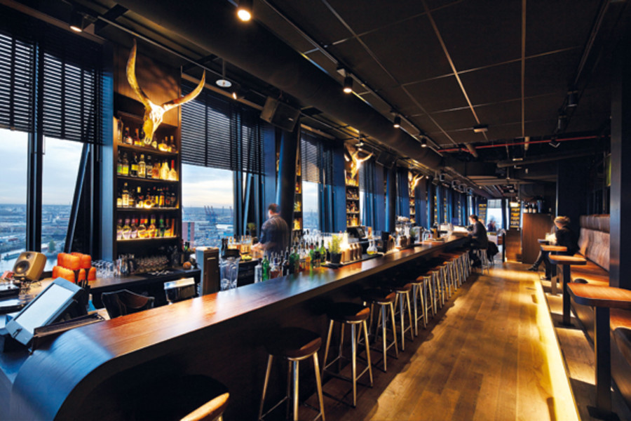 clouds – Heaven's Bar & Kitchen