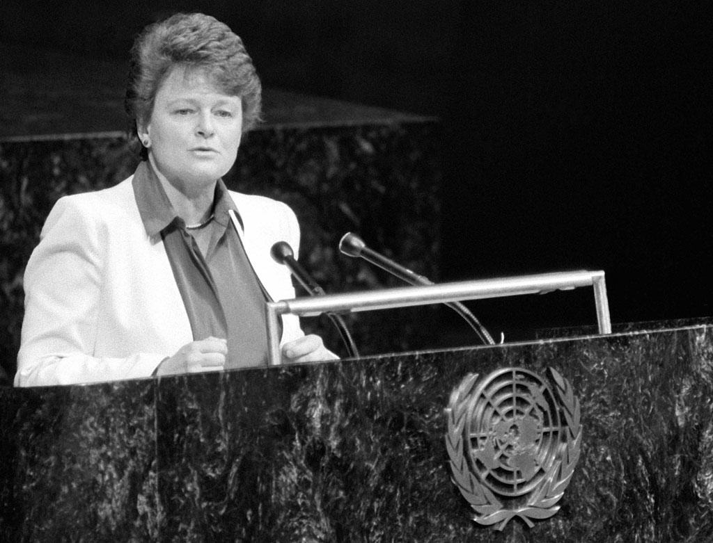 Gro Harlem Brundtland addressing General Assembly on Environment and Development
