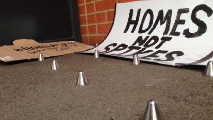 anti-homeless-spikes-remove