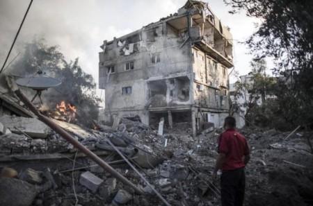 Tens-Of-Thousands-Flee-Israeli-Raids-On-Gaza