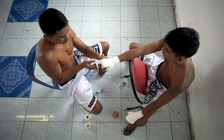 thai-hands