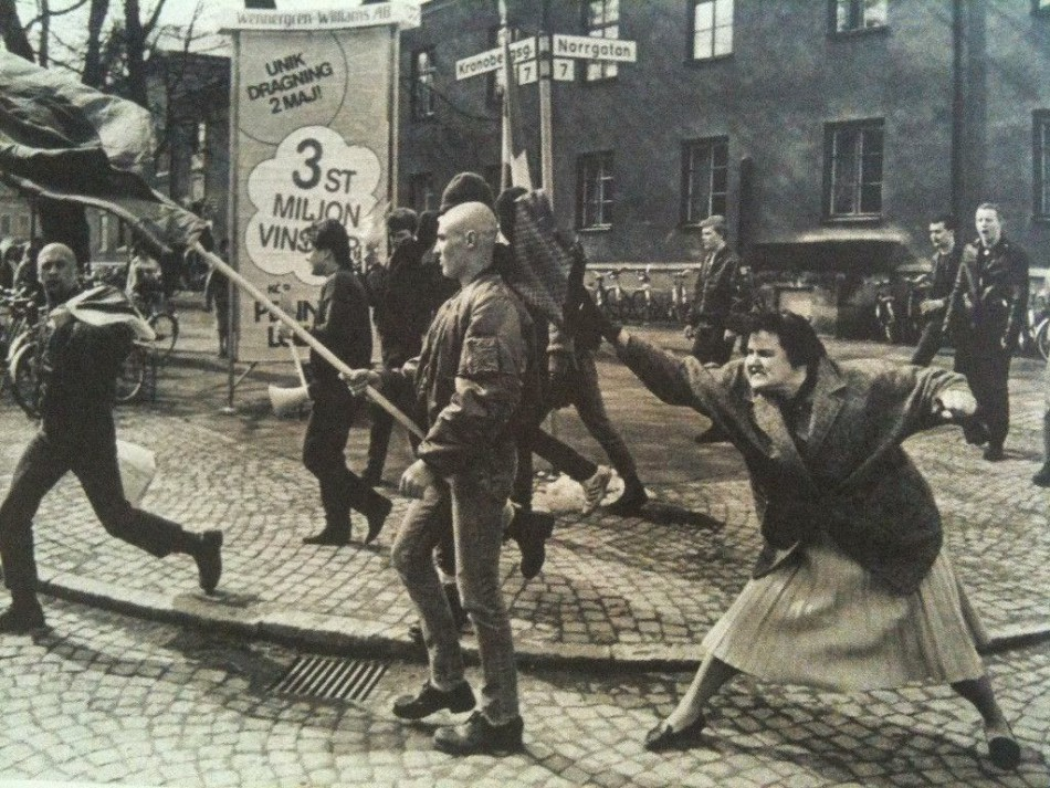A Holocaust survivor beats a neo-Nazi, 1985