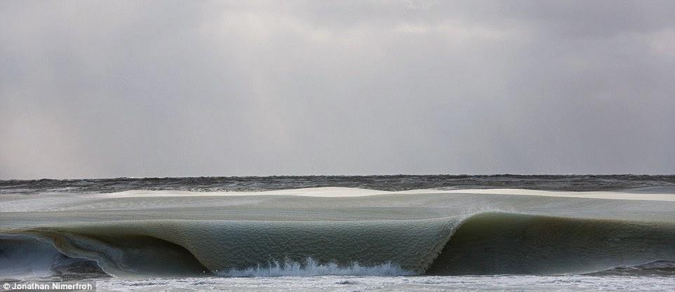 frozen_waves_1
