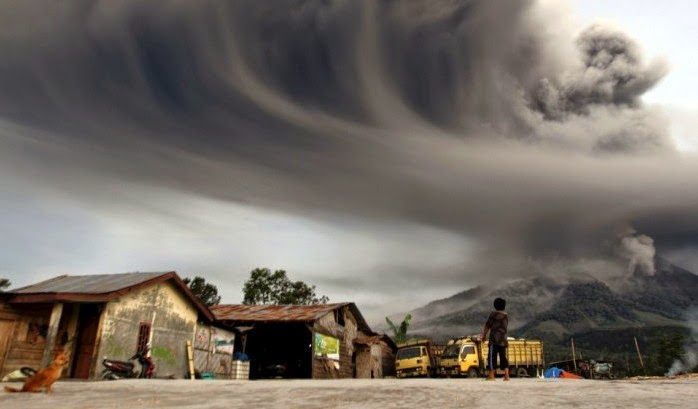 Mount Sinabung ash cloud
