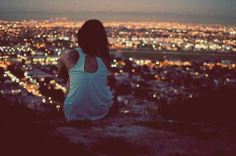 alone-girl-city