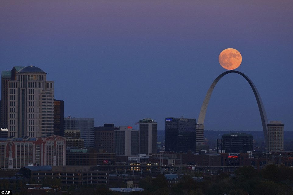 st-louis-supermoon