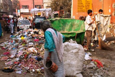 Dumping In The Streets Of New Delhi