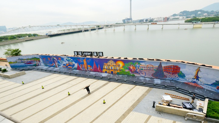 These Artists Twist Thousands of Rubik's Cube a Day to Create Massive Murals.10