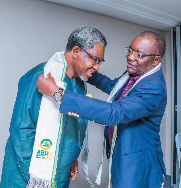 Director-General, Nigerian Geological Survey Agency (NGSA), Dr Garba Abdulrazaq (Right) decorating the Honorable Minister and Special Guest with the insignia of ABU Geology Class of 1986.