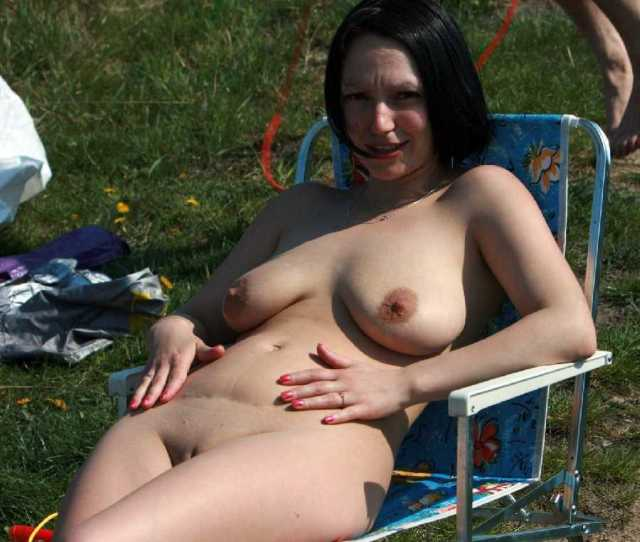 Naked Women In Public Pictures