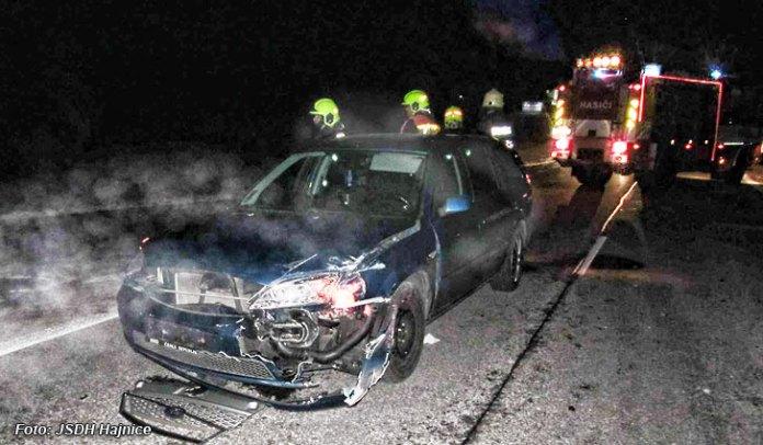 Hajnice-nehoda-na-vysince-hasici