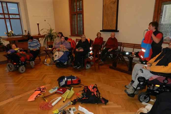 Trutnov-Horska_zachranna_sluzba_Pec_15.11_(20)-15-11-2017024