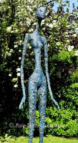 sculpture-marie-therese-tsalapatanis-grande-bleue