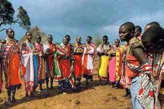 Masaïs - Safari Masaï Mara par avion 3jours depuis Diani Beach Kenya.