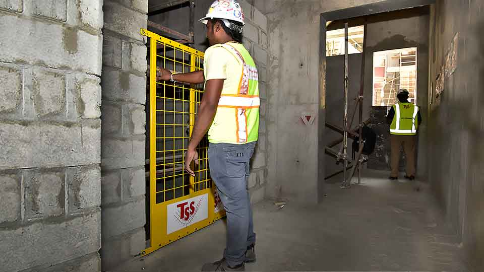 TSS-Shaftgate-SHaft-gate-Edge-Protection-System-elevator-lift-Dubai-Uae-AbuDhabi-Emirates-Sharjah-Ajman-SAudi-Arabia-Oman 05