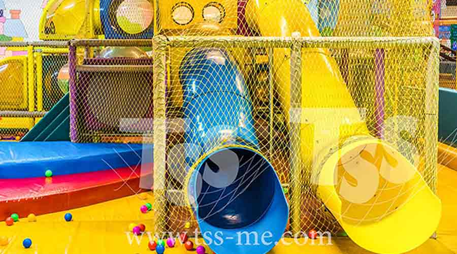 Safety-Nets-for-parks-and-kids-play-area-TSS-Safety-Nets-for-Playgrounds-To-protect-the-children-in-playgrounds-against-fall-and-hard-surfaces