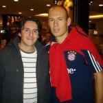 v.l. Mario Di Prospero, Arjen Robben