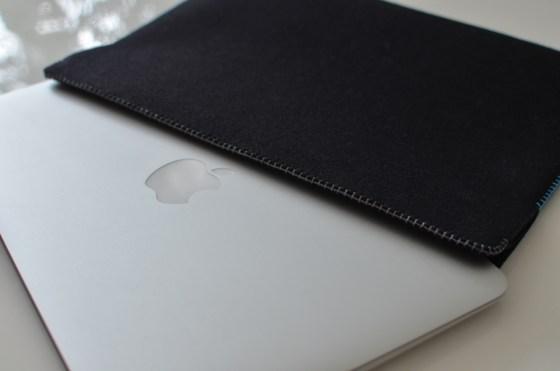 abicase MacBook Air用カラーフェルトケースが届いた!