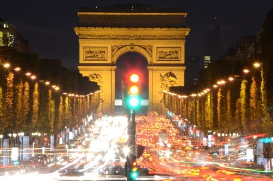写真で見る夜のパリ 〜 凱旋門とエッフェル塔が美しかった!! [2012年夏 ヨーロッパ旅行記 その32]