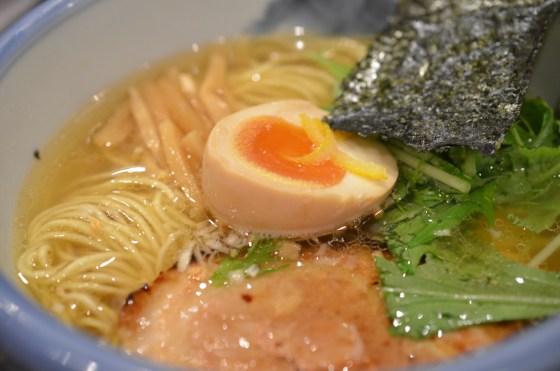麻布十番 AFURI (阿夫利) — ゆず塩ラーメン淡麗に炙りコロチャーシュー飯!さっぱりで充実!美味い!!