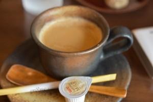 西利 — 高野山中心部のおしゃれカフェ!ランチタイムはうどんやカレーもあるよ!!  [2015年晩秋の旅 旅行記 その17]