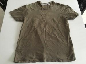 お気に入りでずいぶん長く着たTシャツ 夏になる前に断捨離 [1日1捨 No.42]