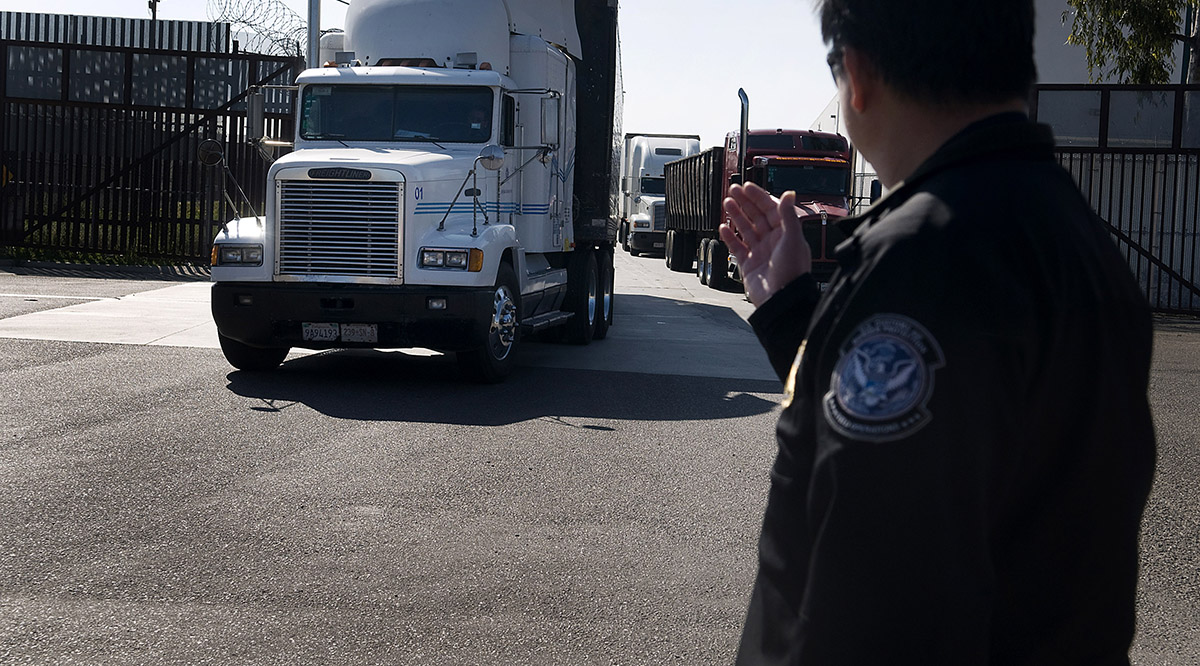 Joint USMexican Truck Inspections to Speed Up Trade at Otay Mesa Border Crossing  Transport Topics