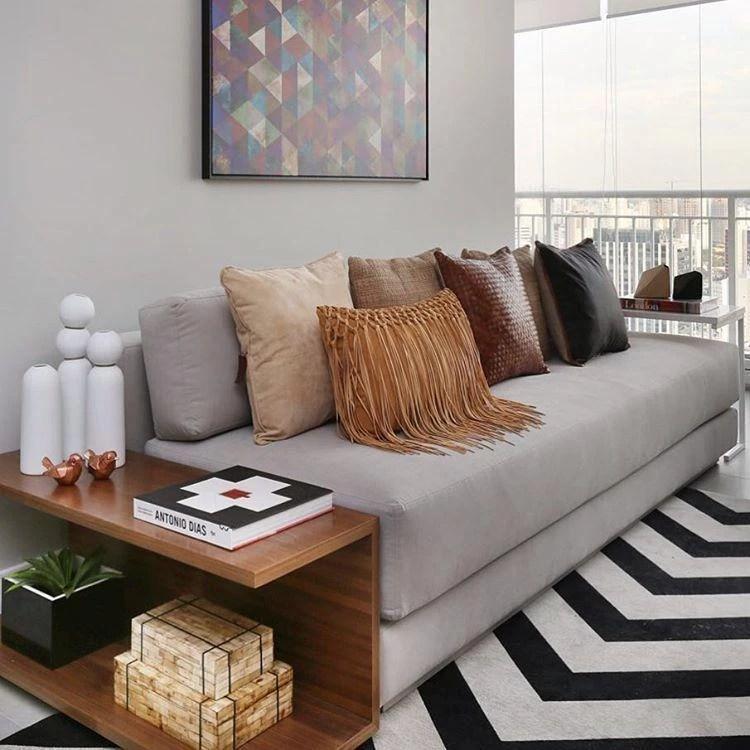 sofa cinza e almofadas coloridas target side table 40 modelos de sofás pequenos para a sala da sua casa