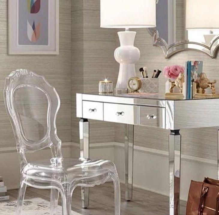 Cadeira de acrlico charme e modernidade para sua casa
