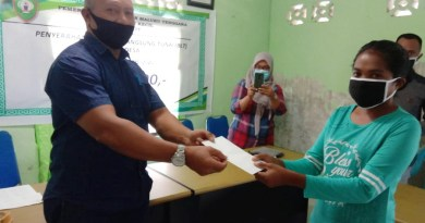 Camat Kei Kecil serahkan BLT Dana Desa Ohoi Kelanit tahap II