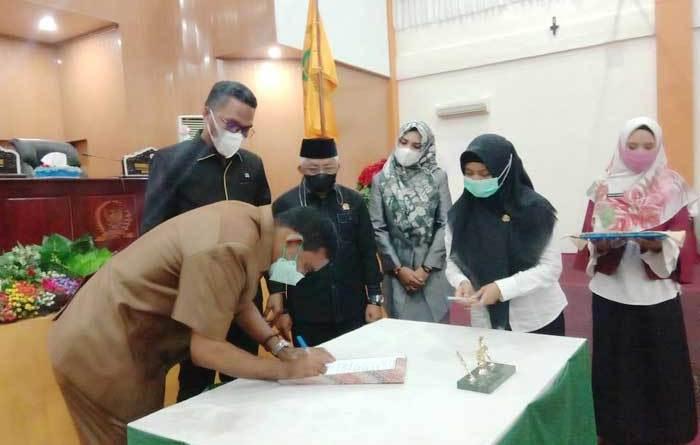 Walikota Tual, Adam Rahayaan, dalam sambutan yang dibacakan Sekretaris Daerah Kota Tual, A. Yani Renuat, pada Rapat Paripurna DPRD Kota Tual, Rabu ( 05/5/2021 )