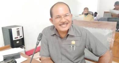 Ketua-Komisi-I-DPRD-Kabupaten-Malra-Antonius-Renjaan