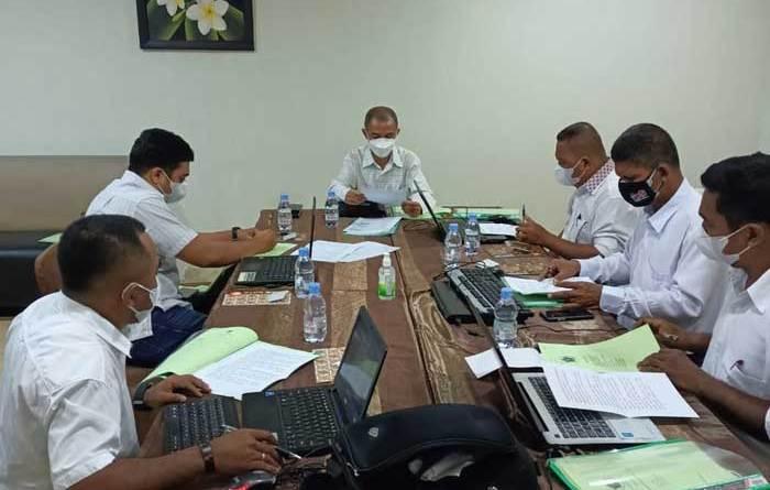 Peserta-UKW-PWI-Maluku-2021-yang-diuji-Penguji-Nasiona-di-Hotel-Pasifik