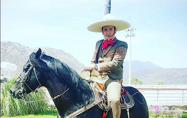 Pancho Uresti - Dominó - Mariachi