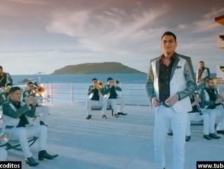 Banda Los Recoditos - Video Me está tirando el rollo