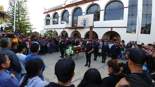 Funeral de Virgilio Ruiz, Director de Banda Tierra Mojada