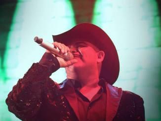 Chuy Lizarraga, El amo del Escenario