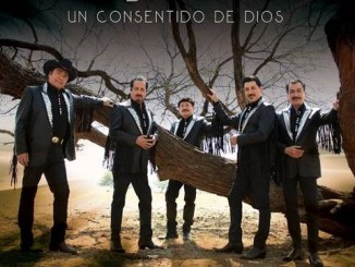 """Los Tigres del Norte homenajean a Vicente Fernandez con """"Un consentido de Dios"""""""