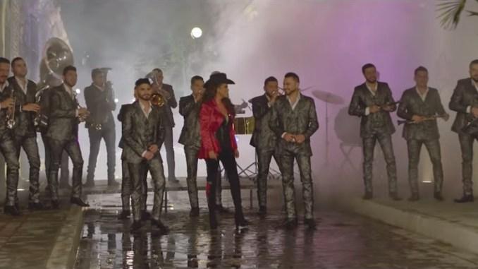 """La canción más caliente en Guatemala es """"Tú me obligaste"""", de Banda El Recodo y Edith Márquez."""