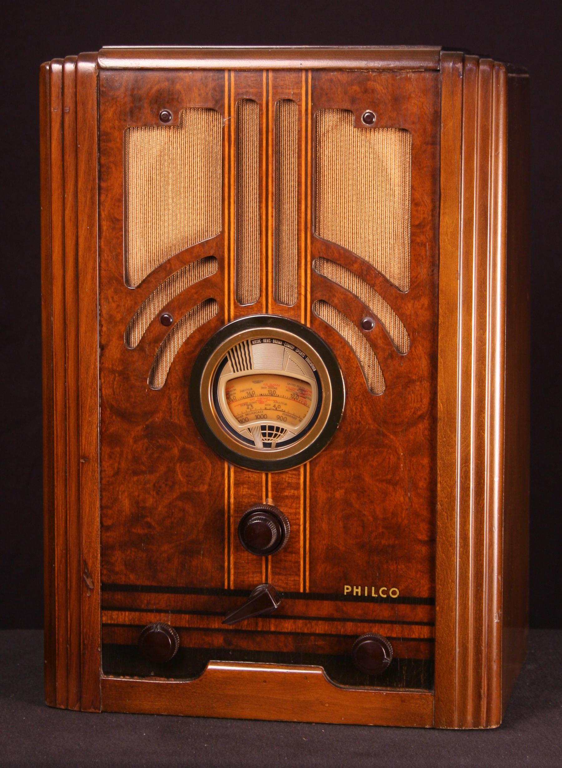 Philco Model 37610B Tombstone Radio Jan 1937