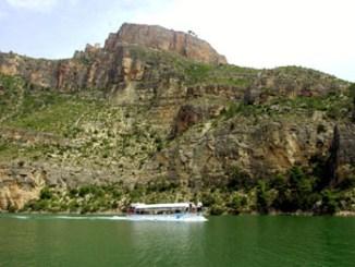 Cortes de Pallás ofrece unos impresionantes y atractivos paisajes.