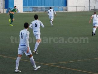 El CD Buñol ha logrado un importantísimo punto en Xàtiva que sabe a victoria. Foto: Raúl Ferrer.