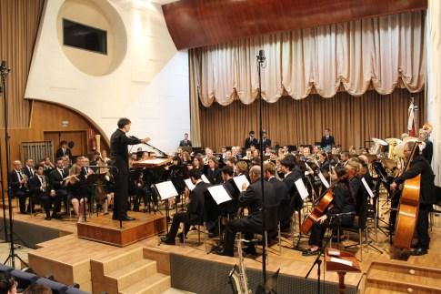 El director Luis Serrano Alarcón se muestra muy satisfecho con el concierto ofrecido en Buñol en el marco de la WASBE en el que participaron Tim Reynish, Yasuhide Ito y Barcelona Clarinet Players.