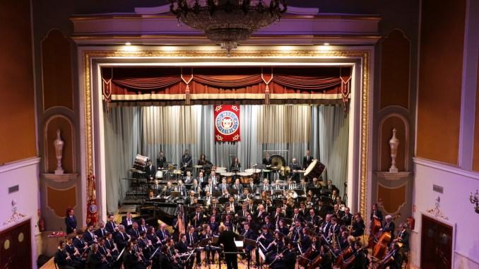 La banda de La Unió Musical de Llíria durante su interpretación.