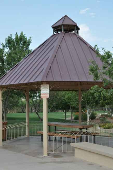 covered ramadas are plentiful at Rancho Sahuarita