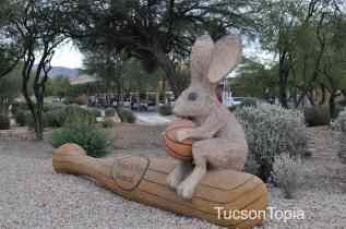 animal sculptures at Golf Links and Pantano Parkway