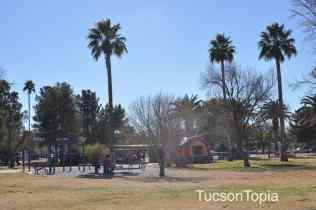 La Madera Park at 2700 E La Madera Drive